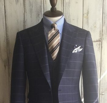 絶妙な色味スーツ!!