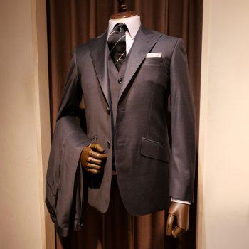 1着2役 ビジネス・フォーマルで着用できるスーツ