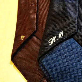 ネクタイにひと手間を。