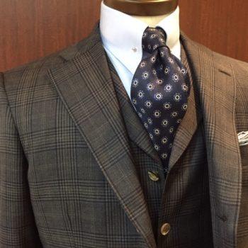 ロロピアーナのブラウンスーツ