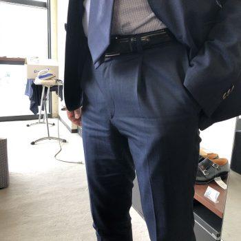 注目はタック入りパンツ??