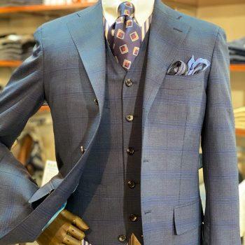 LORO PIANA の機能性スーツ
