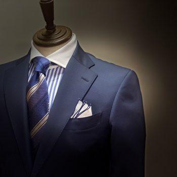定番のネイビースーツを麻布テーラーで。。。麻布テーラー難波