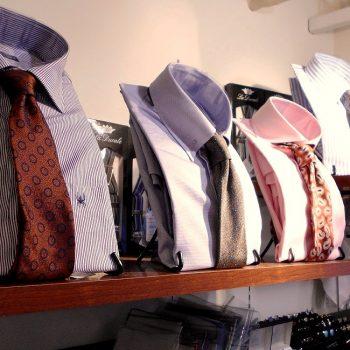 ネクタイお求め増加中です