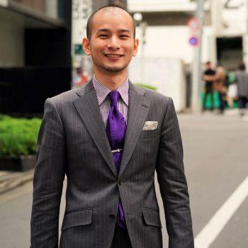 【渋谷 SNAP#09】パープルがアクセントなREDAのSillky Effect グレースーツ 。