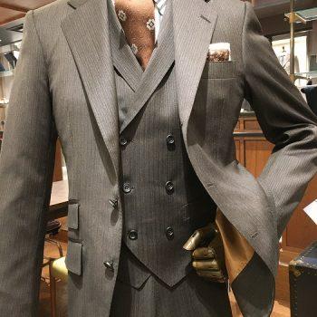 やっぱりブラウンスーツがかっこいい!